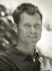 Martin Sundberg specializes in making photographs of people living an active life, pursuing their passions, by land and by sea. Martin's client list includes Apple, Disney, National Geographic, Patagonia and Runner's World. Martin Sundberg Photography is currently based in the San Francisco Bay Area.